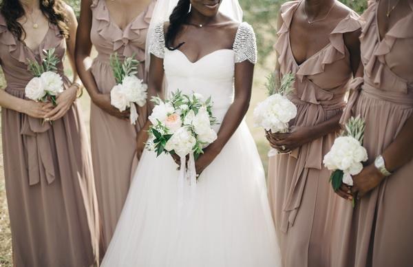 стайка подружек невесты
