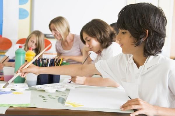 Школа, урок рисования