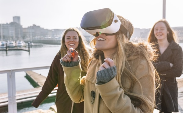 технические новинки и технологии: VR очки